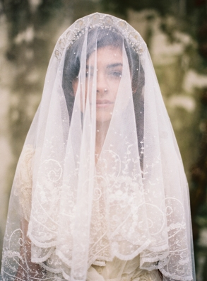 antique-vintage-handmade-lace-veil-wax-bud-scalloped-tiara1
